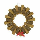 Fabulously Festive Biscuit Banquet Wreath For Dogs