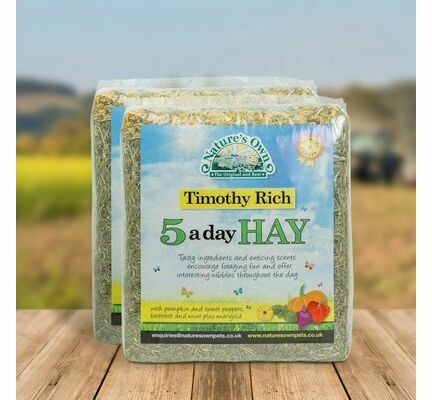 4 x 1kg Nature's Own 5 a Day Timothy Rich Hay Bedding