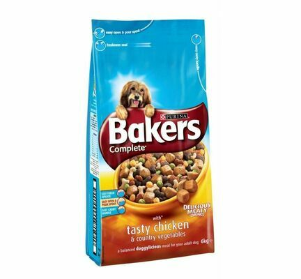 Bakers Complete Chicken & Country Veg Adult Dog Food With Meaty Chunks